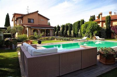 LUXURY VILLA CON PISCINA, INFERNETTO, ROMA